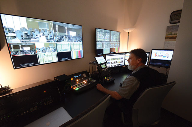 The control room for Learning Studios 125 and 135.