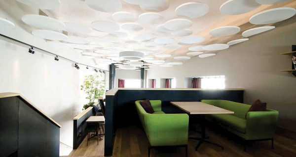 Club Neo in Zurich is a dazzling new club/bar/restaurant on the ground floor of an upscale high rise.